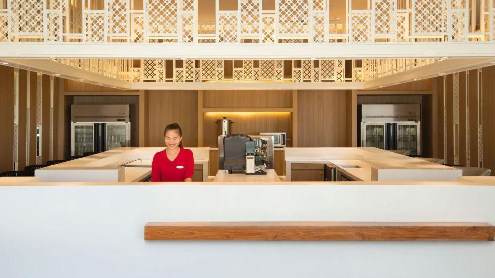 Hyatt-Place-Phuket-Patong-P019-Front-Desk-Staff.adapt.16x9.1280.720